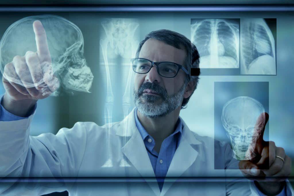 radiologista dominando a inteligência artificial